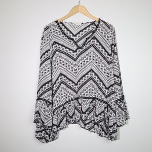 Bell Sleeve Black and White Blouse Chevron Size XL
